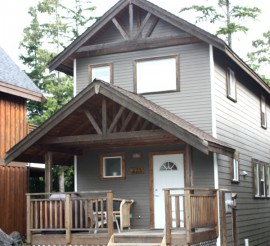 Waterfront Vacation Homes, Ucluelet Vancouver Island