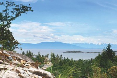 Ocean view lots at Bonnington Ridge